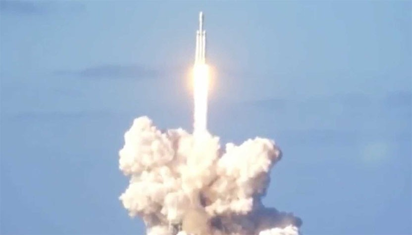 Elon Musk's giant SpaceX rocket makes triumphant launch